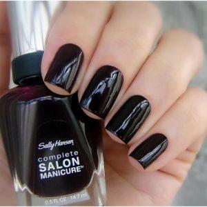 Черные ногти: современные тренды, модные сочетания и яркие элементы для украшения (80 фото и видео)