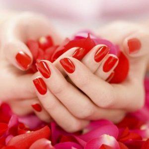 Красные ногти — 110 фото актуальных вариантов применения и особенности выбора оттенка красного цвета