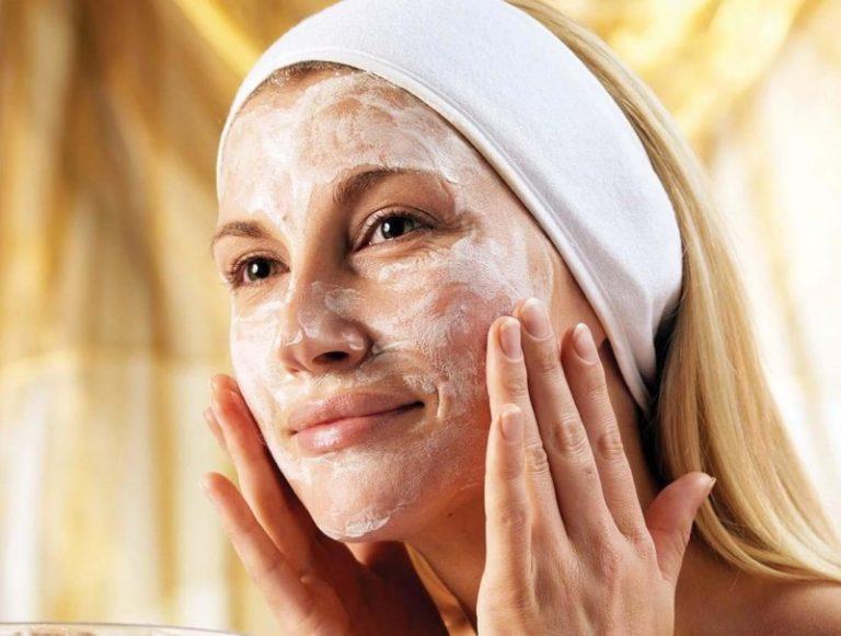 Используйте мягкие средства вроде гоммажа, если у вас чувствительная кожа