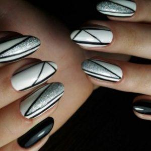 Маникюр с серебром — красивые варианты оформления и особенности декора маникюра (105 фото и видео)